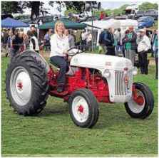 Oliver 600 tractor vintage tractor woonky mobile fiona steedman with her father ian browns ford 8n winner of best pp tractor fandeluxe Image collections